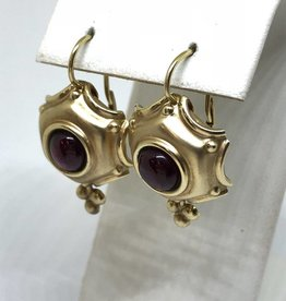 14kt Garnet Earrings
