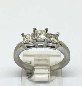 Platinum 0.77tcw 3 Princess Cut Diamonds Ring