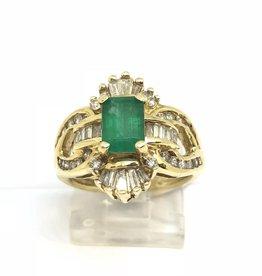 C 14kt Emerald & Diamond Ring