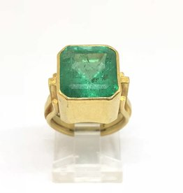 C 22kt SHAW Emerald Ring Approx 9ct