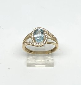 C 14kt Aquamarine and Diamond Ring
