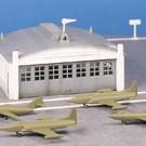 Bachmann 45986 Airport Hangar with Airplanes, Bachmann Plasticville