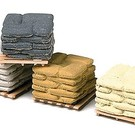 Model RailStuff 570 Pallets of Sacks Assorted Colors, HO Scale