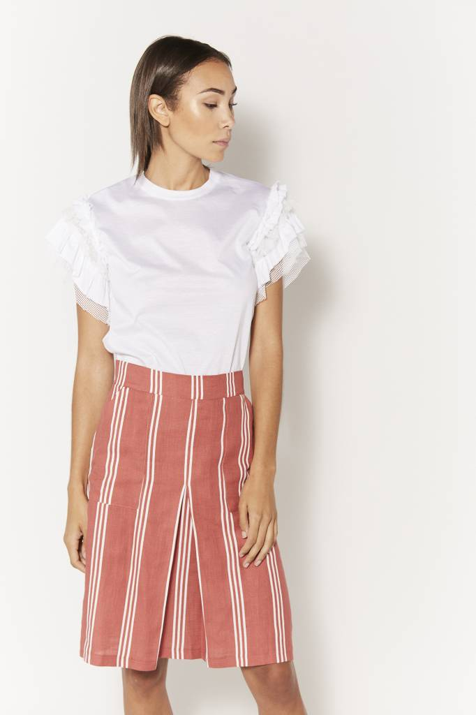 Corner 302 Mesh Ruffled White Top