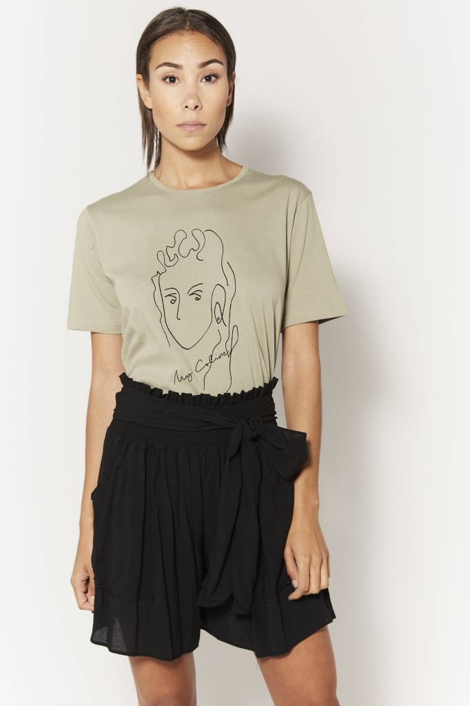 Coline Face Tee