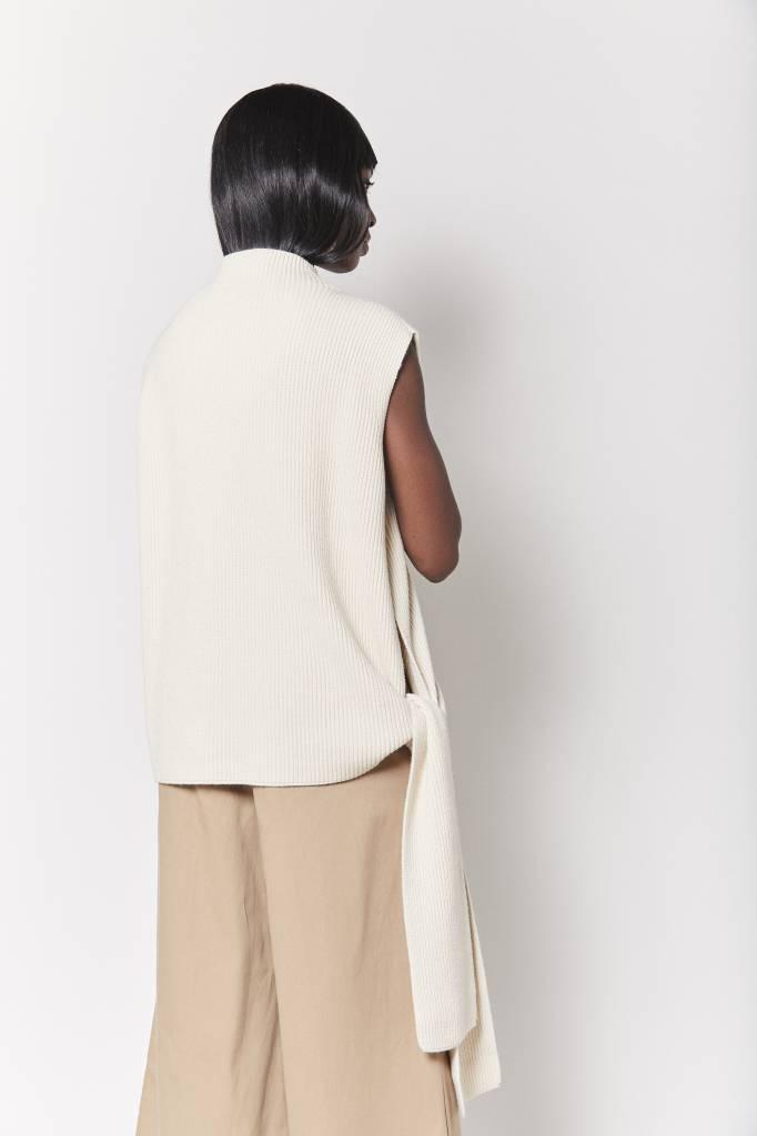 FAV Side Tie Cream Sweater