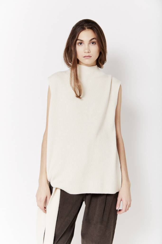 FAV Side Tie Cream Sweater
