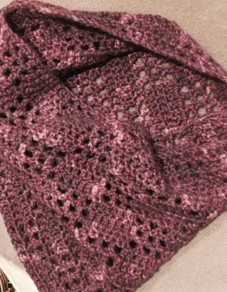 Hand Knit Wintergreen Cowl