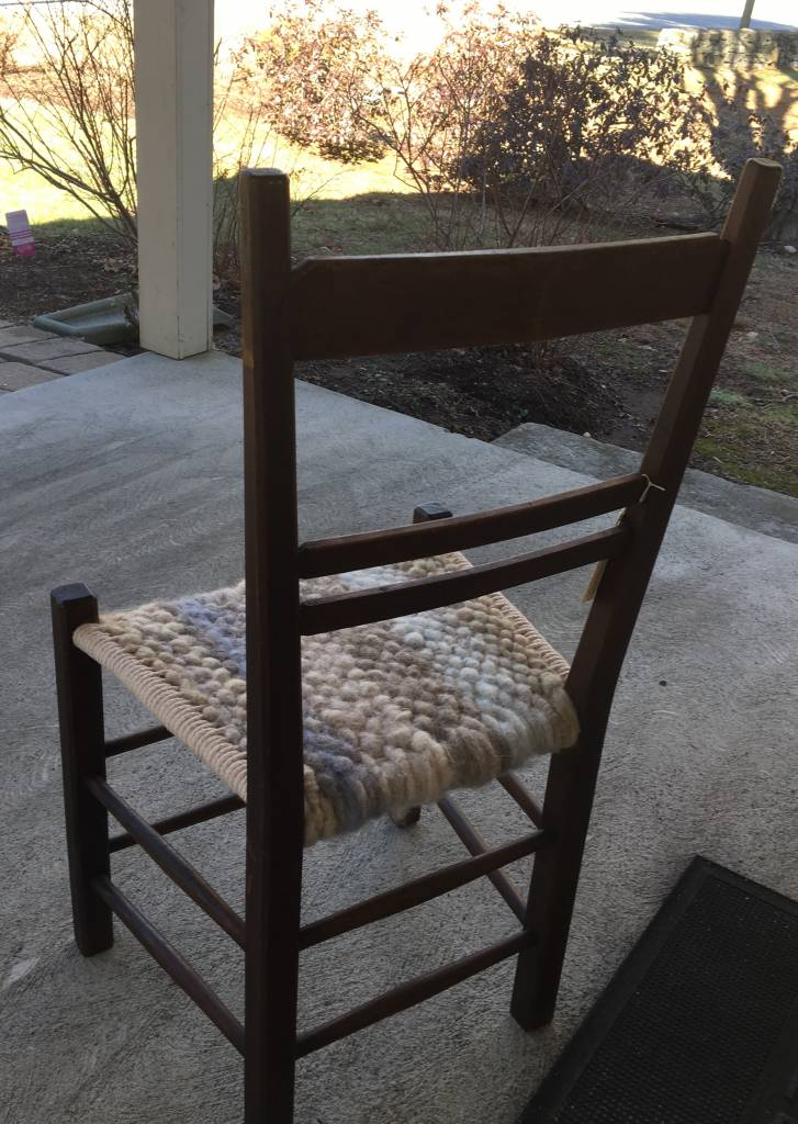 Chair with hand woven alapca seat RLC81
