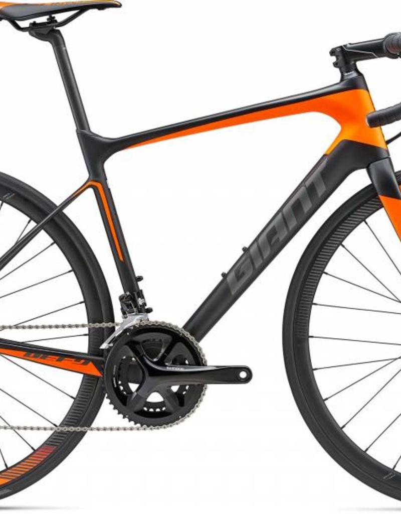 Giant Giant Defy Advanced 2 2018 Carbon - Neon Orange/Charcoal, M Bicycle