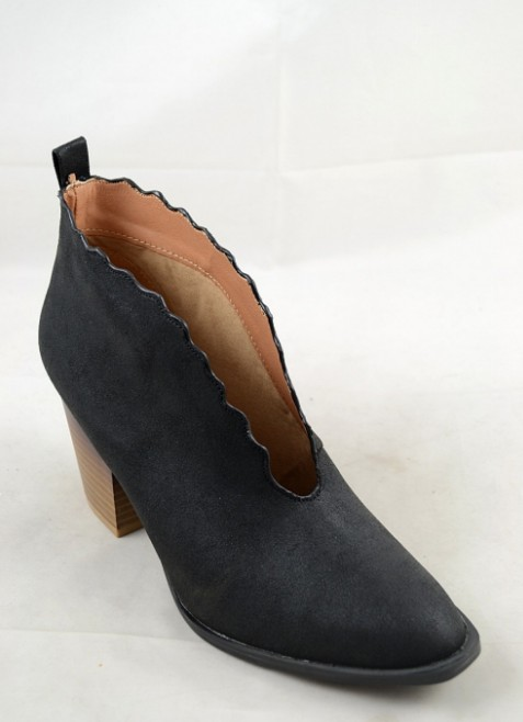 Scallop Bootie