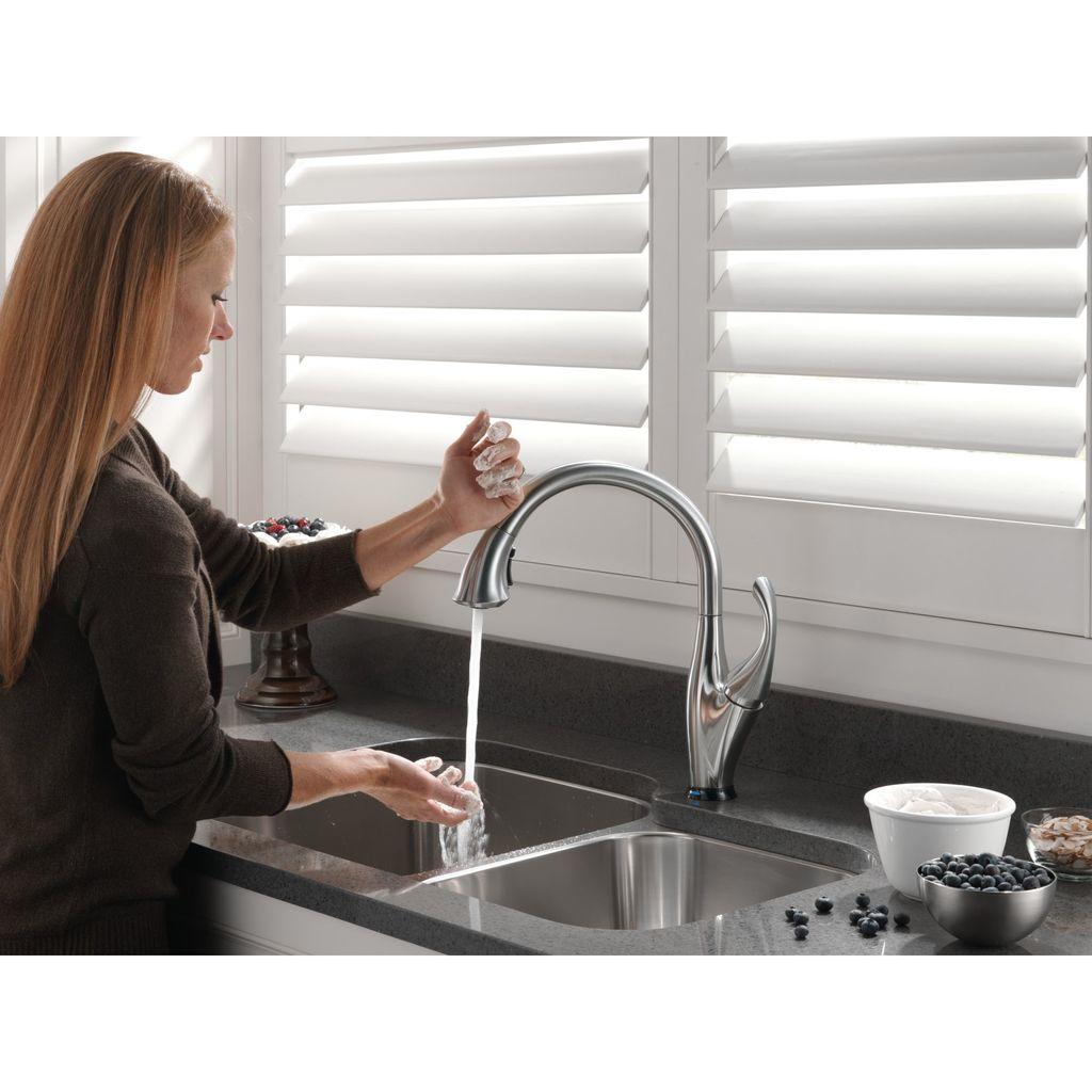 Delta delta 9192t addison touch kitchen faucet arctic stainless