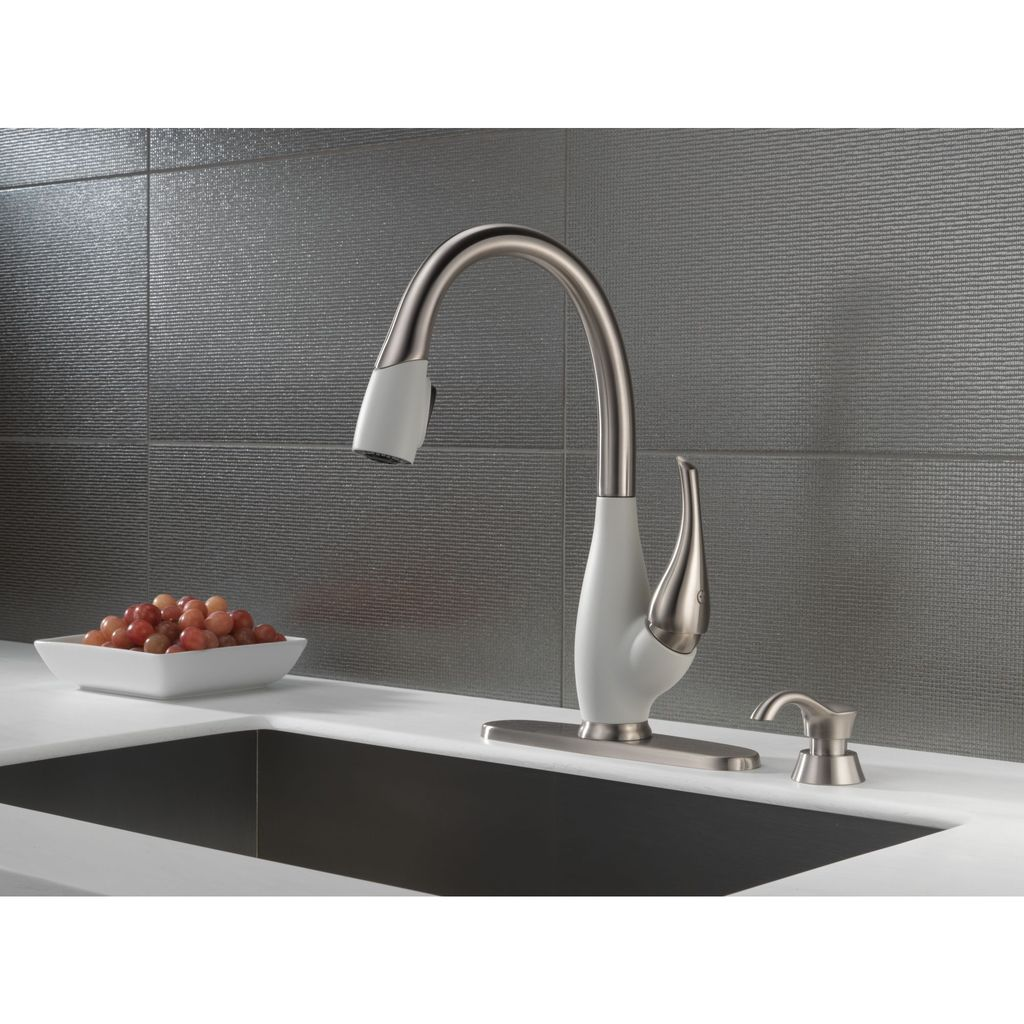 Delta Delta 9158 Fuse Single Handle Pull Down Kitchen Faucet Stainless Snowflake White