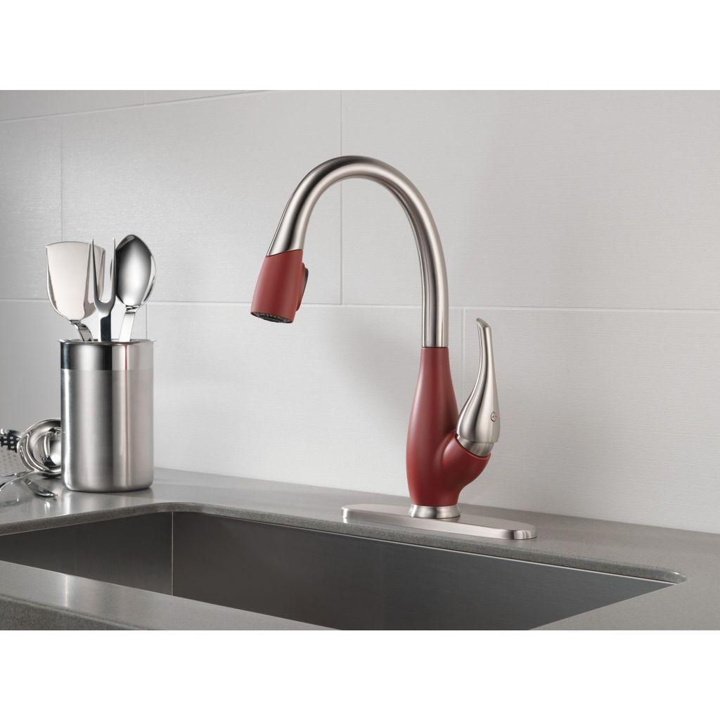 Delta Delta 9158 Fuse Single Handle Pull Down Kitchen Faucet Stainless Chili Pepper