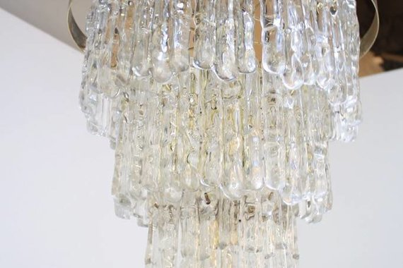 LARGE LUCITE ICICLE CHANDELIER