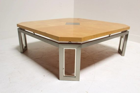 BRASS & WOOD COFFEE TABLE WITH CENTER MEDALLION