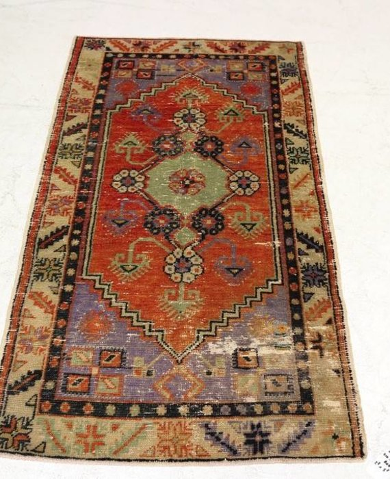 "ZA-133 VINTAGE TURKISH RUG (2' 8"" x 5' 3"")"