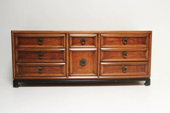 THOMASVILLE CREDENZA WITH BRSS PULLS