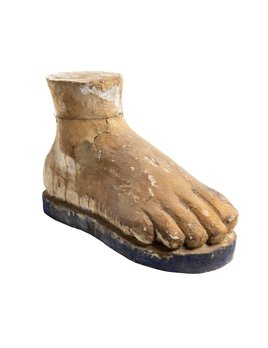 CARVED WOOD FOOT