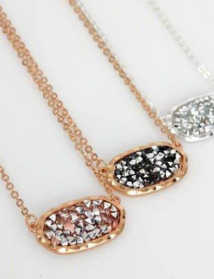 Oval Glitter Short Necklace