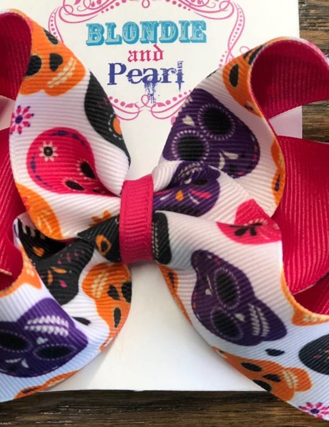 Blondie and Pearl Boutique Layered Halloween Skull Pink Bow