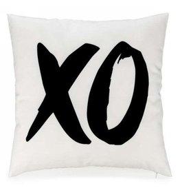 Pillow White XO