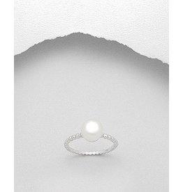 Ring- W/Pearl
