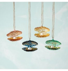 180 Degrees Glass Clam Ornaments