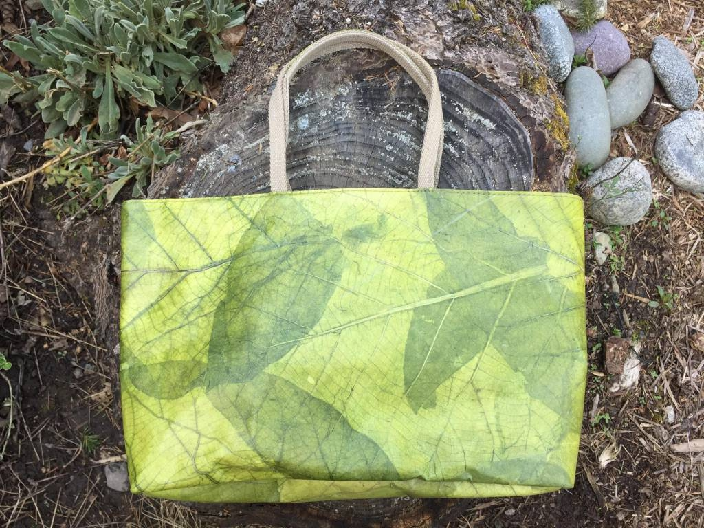 Tamaz Leaf Purse