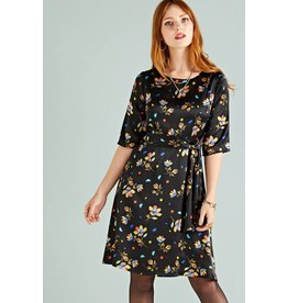 Yumi Dress-Geometric Floral Black