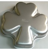 WILTON ENTERPRISES SHAMROCK PAN