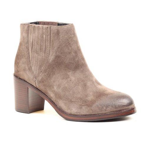 Samantha Pleet Leather Boot