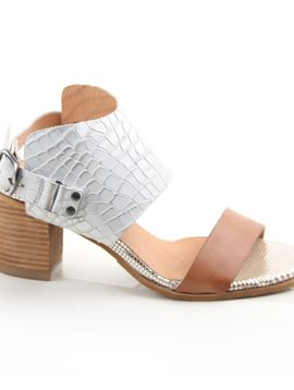 Coqueterra  Leather Sandal