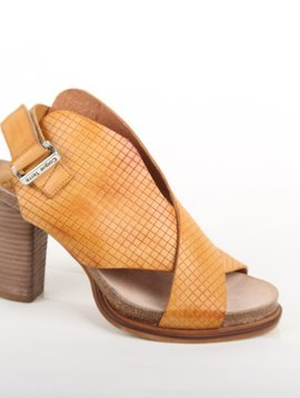 Coqueterra Leather Sandal