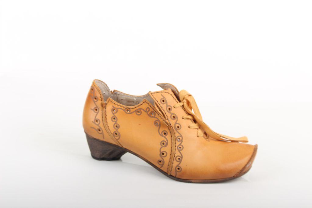 Rovers Tie Up Shoe