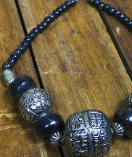 Vintage Oversized Bead Necklace