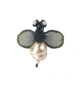 Sarah Cavender Sarah Cavender Brooch: Small Pearl Bee, Black