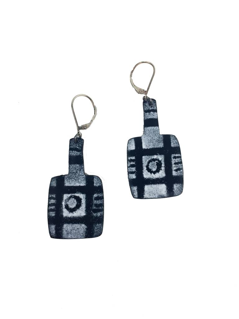 Julie Shaw Julie Shaw Paddle Earrings: Black/White