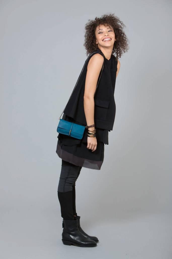 Jo Jo Wire Wallet Clutch: Russian Blue