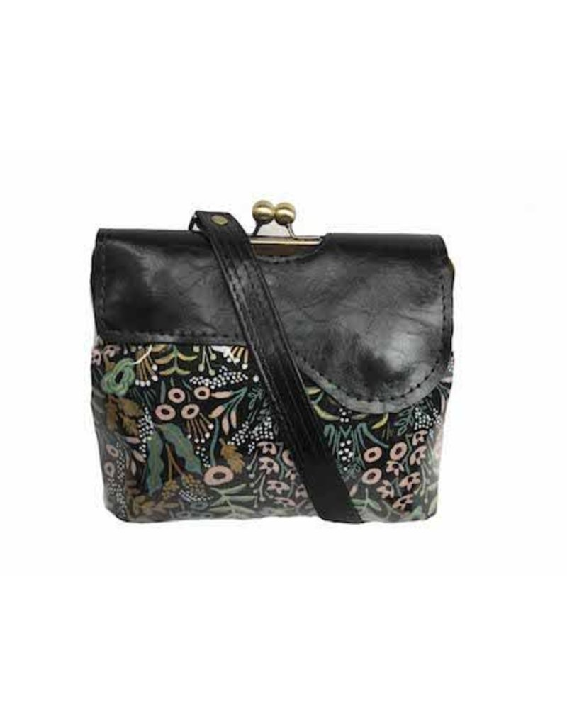 John Met Betty John Met Betty Audrey Crossbody: Metallic Gold