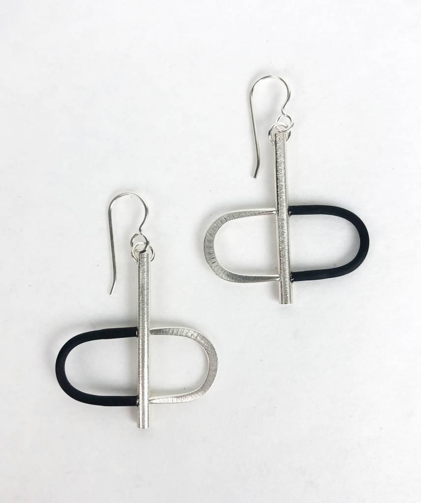 Inteplei Inteplei Earrings: B & W Retro Oval