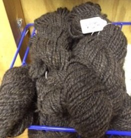 Alpaca Yarn, Merlin 74 y 5.5 oz Dark Silver Gray