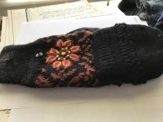 Alpaca Glittens, Black Heavy, Orange Flower Unisex