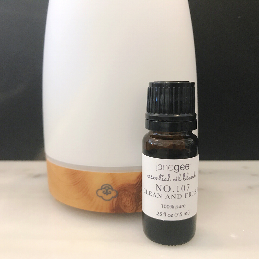 janegee No.107 Essential Oil Blend