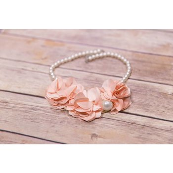 Mae Li Rose Pink Flower Pearl Necklace