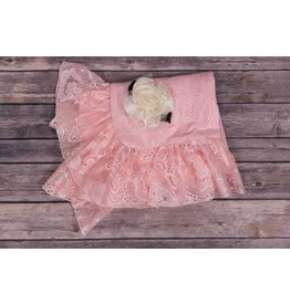CachCach Pink Mesh Blanket with Ivory Flower