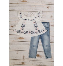 Jessica Simpson White Embroidery shirt with jean pants