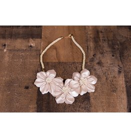 Mae Li Rose Off White Floral Necklace