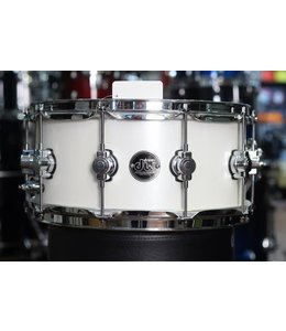 DW Used DW Performance Series 14X6.5 White Gloss Snare Drum