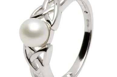 Ring: Trinity Pearl Ring